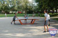 Előtérben a Teqball, háttérben a ping-pong asztalunk